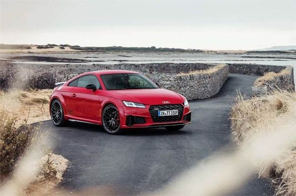 Audi has officially shown its TT facelift