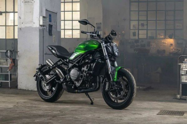 Benelli 752S Revealed Ahead Of Its Debut