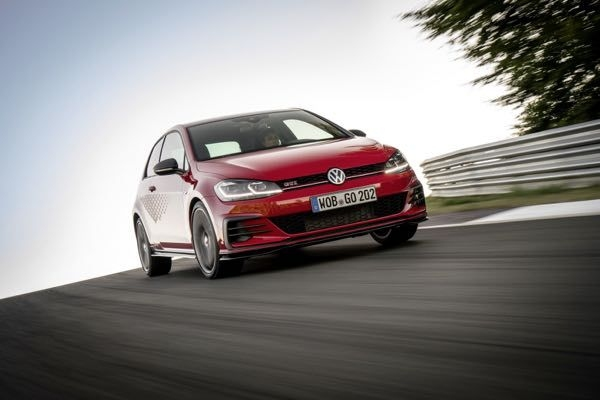Volkswagen Golf GTI TCR Unveiled, Produced 286 BHP