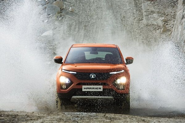 Tata Harrier Beating XUV500 and Compass in Sales, Here's Why