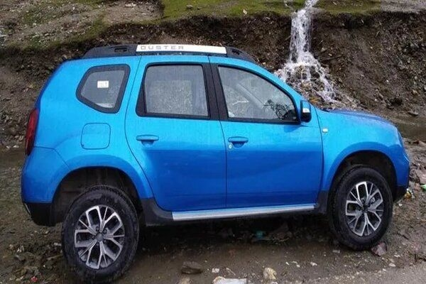 Updated Version of Renault Duster Spotted Testing Without Any Camouflage