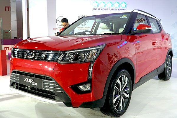 Mahindra XUV300 Sportz unveiled at Auto Expo 2020