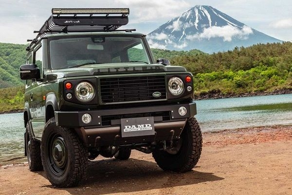 Suzuki Jimny Transformed into Land Rover Defender