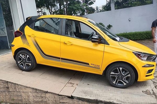 Tata Tiago Soccer Edition Pack Available at Rs 8000 Only