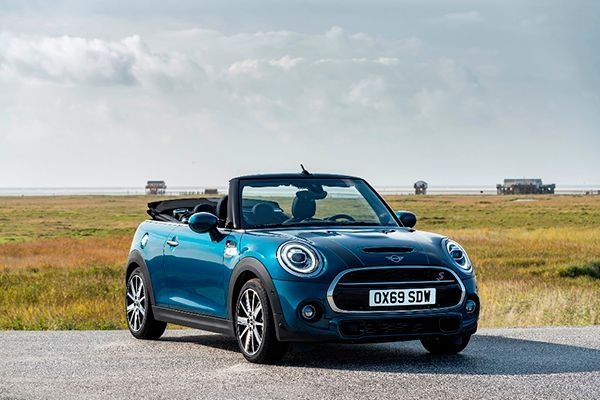 Mini Convertible Sidewalk Edition Launched at Rs 44.90 Lakhs