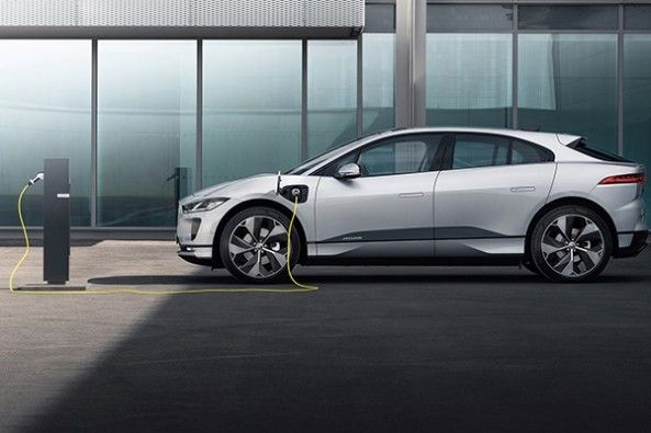 Jaguar I Pace Side