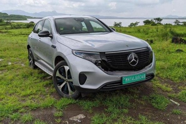 Mercedes Benz EQC Side Front