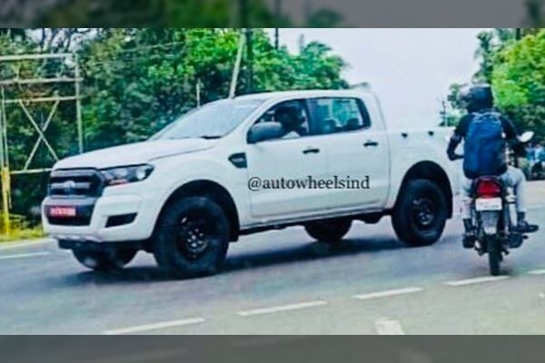 Ford Ranger 4X4 Pickup Spied in India