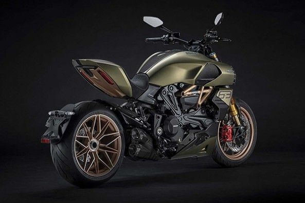 2021 Ducati Diavel Side