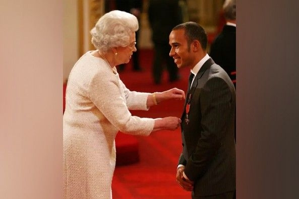 F1 Champion Lewis Hamilton Awarded Knighthood