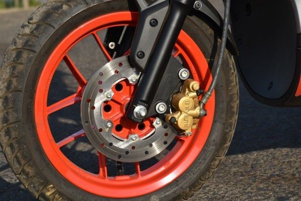 Front brakes have ample stopping power