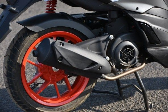 You can opt for a sportier 'Race boom' exhaust.