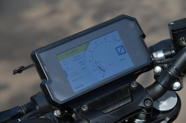 full-colour TFT screen can be paired to a smartphone via Bluetooth.