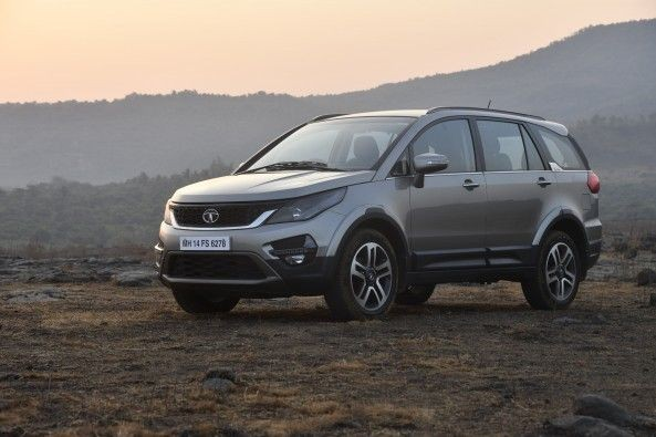 Tata has festooned it with all the plastic cladding and tough styling elements to make the Hexa look like a proper SUV.