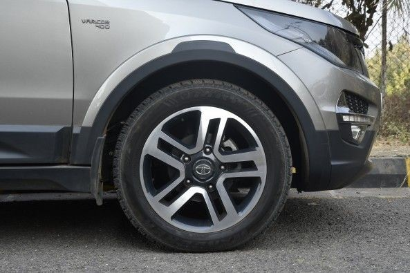 Top-end variants come with sporty 19-inch wheels.