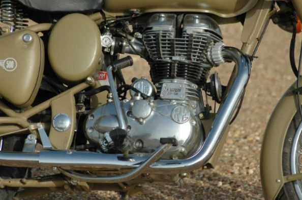 The 499cc, single-cylinder engine makes a decent 27.5hp, but offers plenty of pulling power.