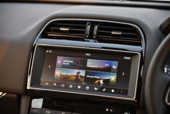10-inch infotainment is quite slick to use.