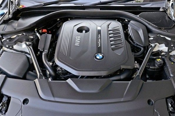 326hp 3.0-litre inline-six petrol is punchy
