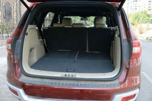 Ford Endeavour boot