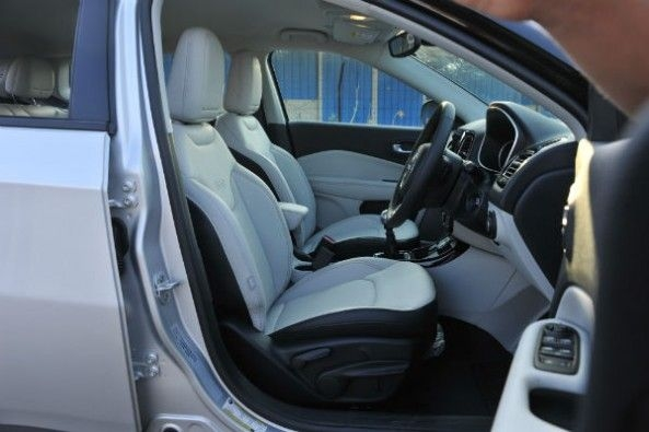 Jeep Compass front seats