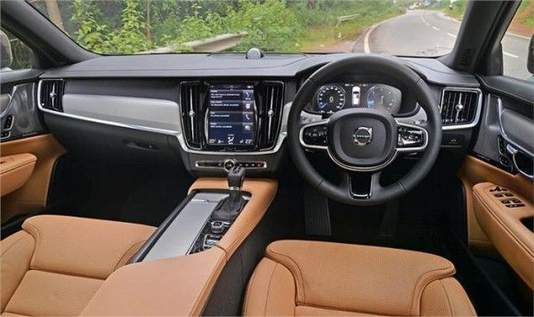 Volvo V90 Cross Country's cabin design is near-identical to the S90 sedan.