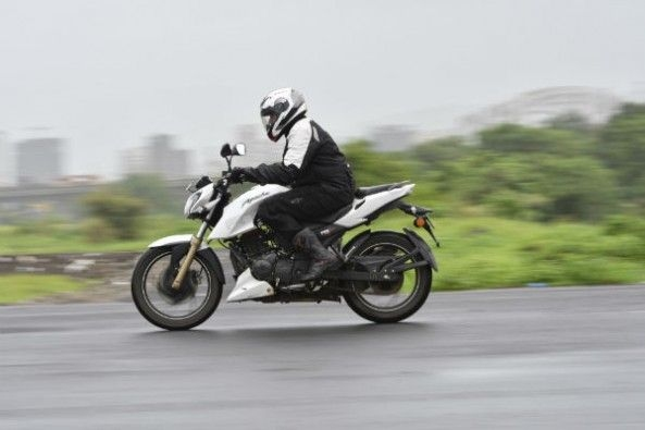 The RTR's motor is very responsive and has a pleasing exhaust note.