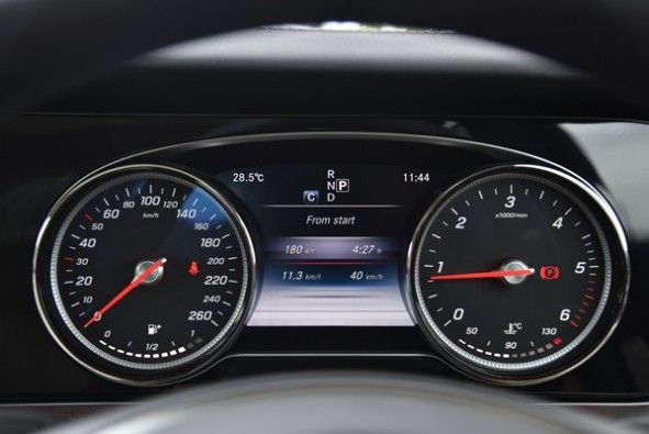 Sharp looking speedo in the E-Class.