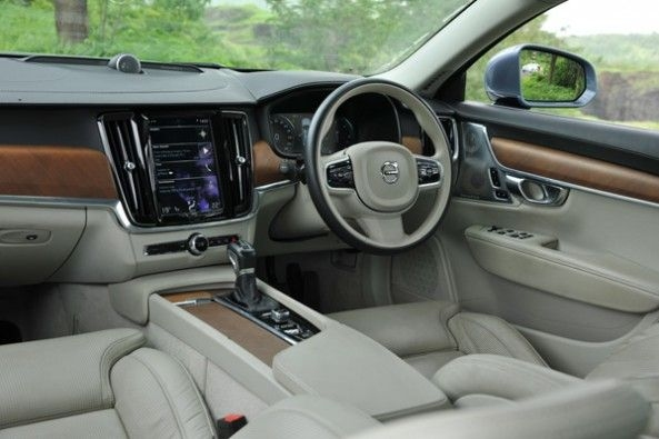 Refreshing cabin in the S90.