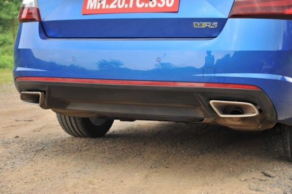 Dual exhaust tips on the RS.