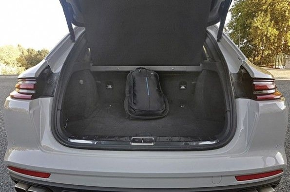 The large boot to load up the Turismo.