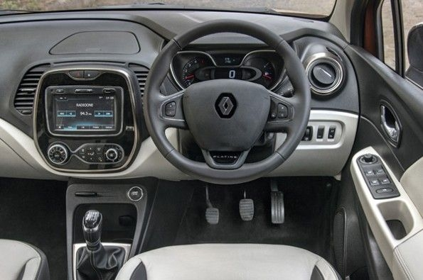 The modern interior in the Captur.