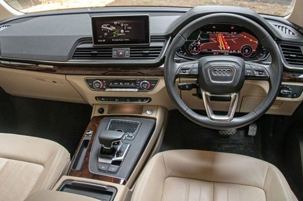 High quality interior in the Q5.