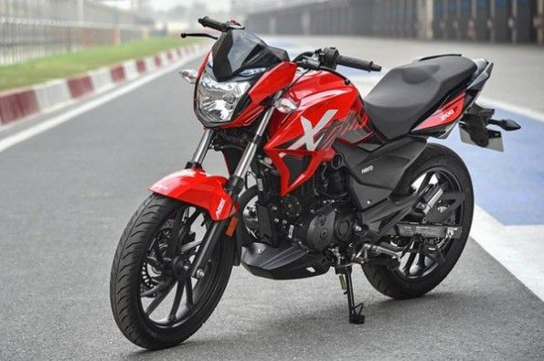The Xtreme 200R will not turn heads.