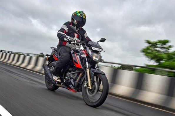 The RTR 200 absorbs bumps well.