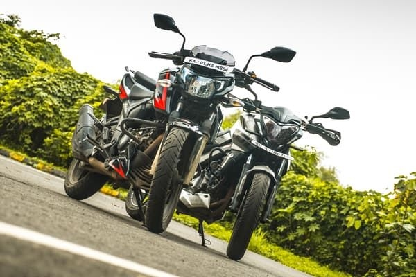 Pulsar NS 200 vs Apache 200 Race