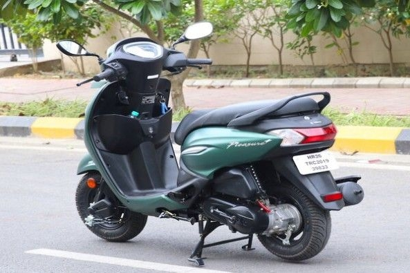 Green Color Hero Pleasure Plus Rear Profile