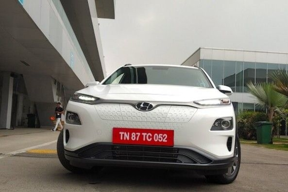 White Color Hyundai Kona Headlamps and Front Grill