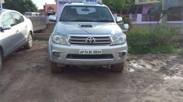 Toyota Fortuner 4x4 AT 2010