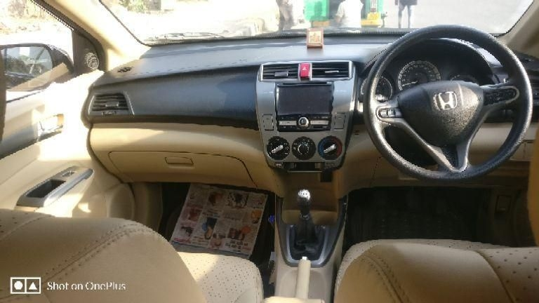 Honda City 1.5 V MT 2012