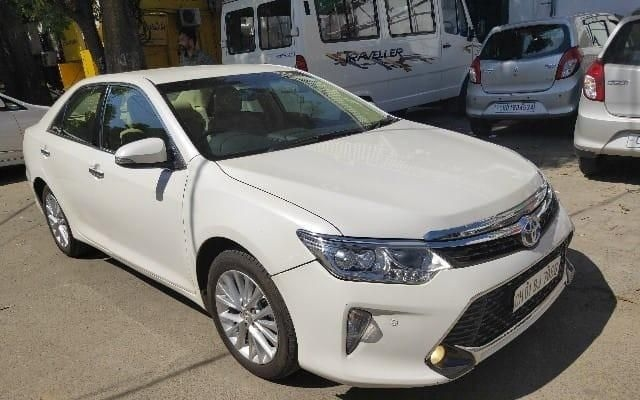 Toyota Camry 2.5 AT 2016