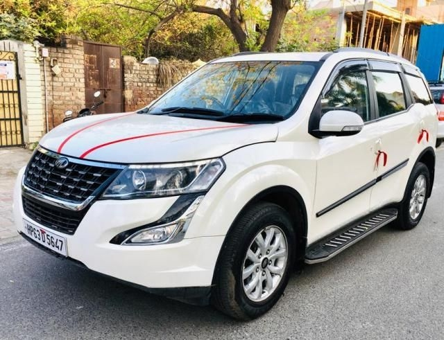Mahindra XUV500 W9 AT 2019