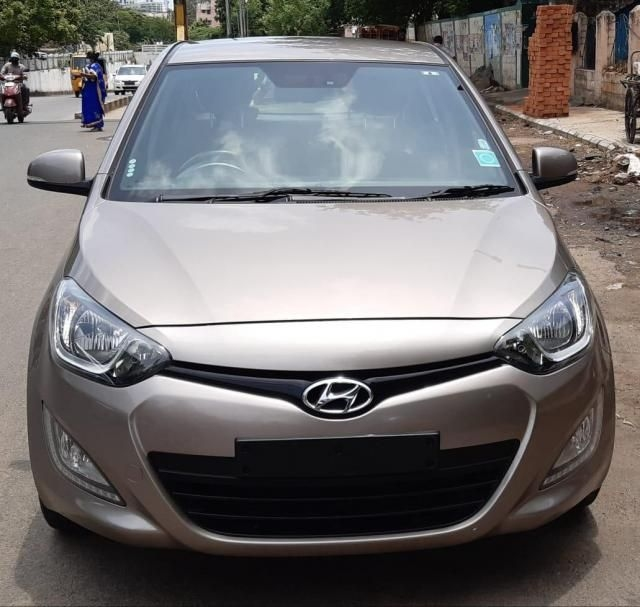 Hyundai i20 Sportz AT 1.4 2014