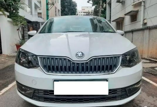 Skoda Rapid 1.6 MPI Style Black Package AT 2016