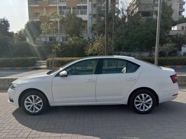 Skoda Octavia 2.0 TDI CR Ambition Plus AT 2018